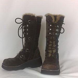 Baker's wedge heel boots w/faux fur.